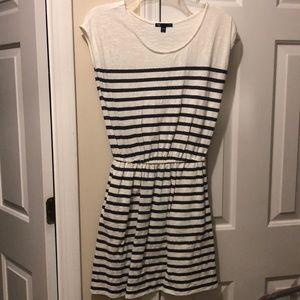 Gap dress! With pockets!